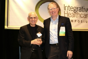 Daniel Amen, MD, receives the IHS Visionary Award on Feb. 23 in New York City.
